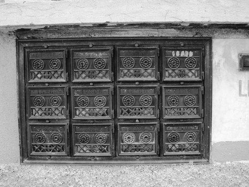 Vecchie caselle postali di Arzo