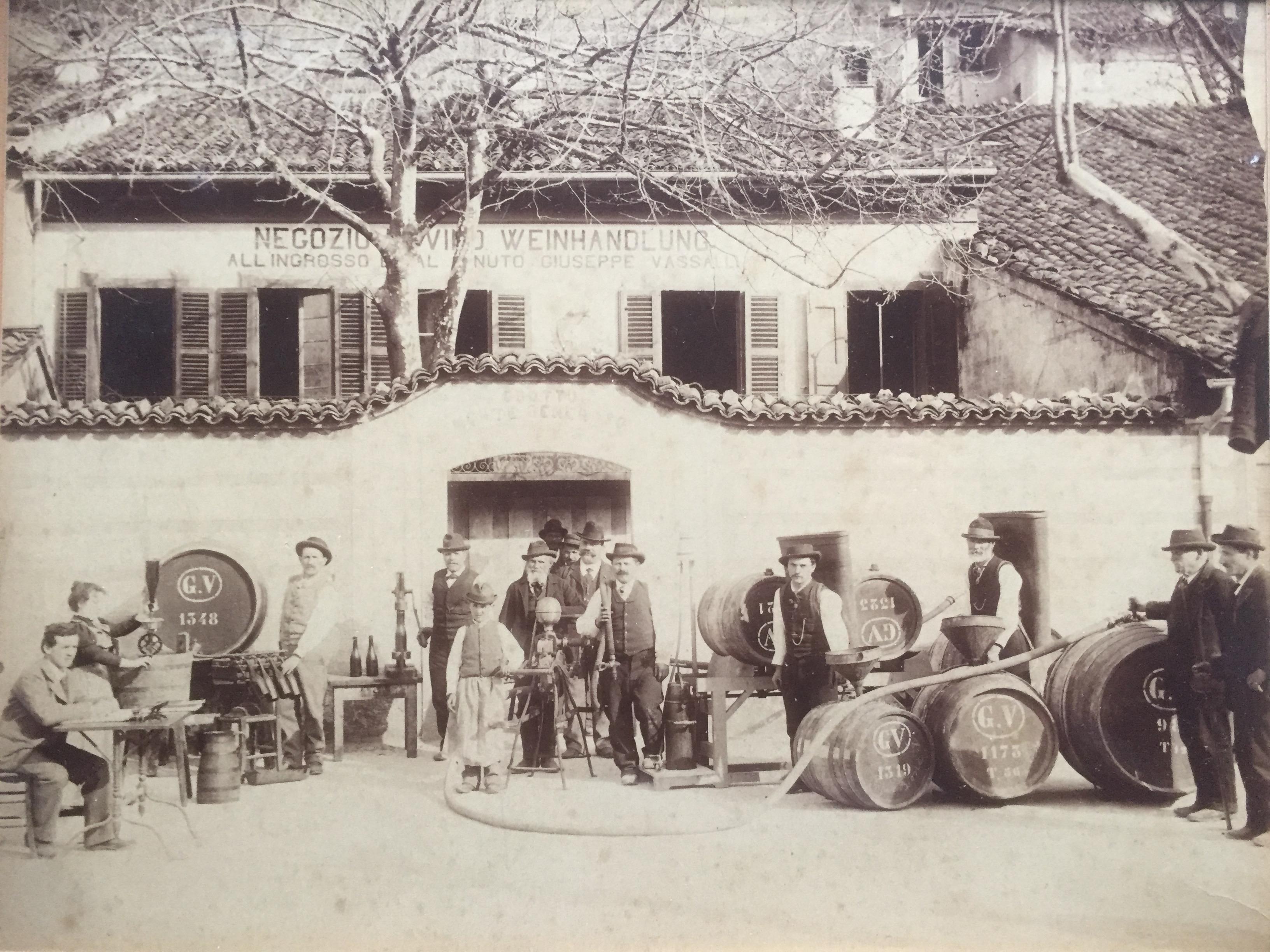 Negozio G. Vassalli della Gada Capolago 1910 ca