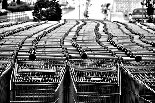 Società dei consumi e associazioni di consumatrici