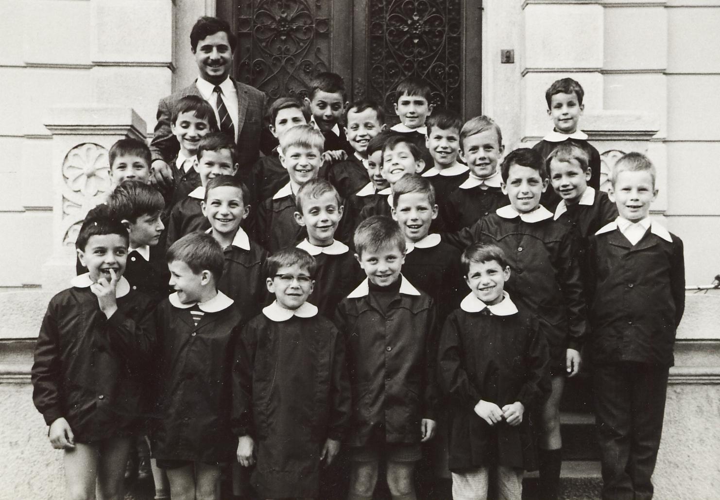 Una classe del 1967 di un collegio che non esiste più